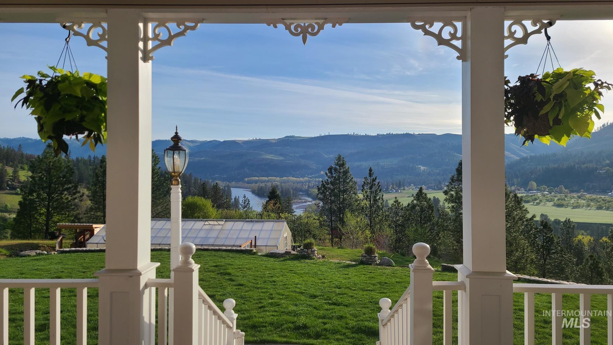 125 Riverview Ln Property Photo