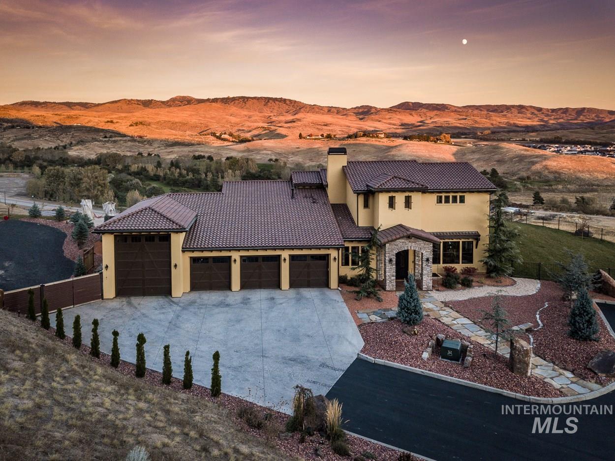 5392 N Mount Shadow Lane Property Photo 1