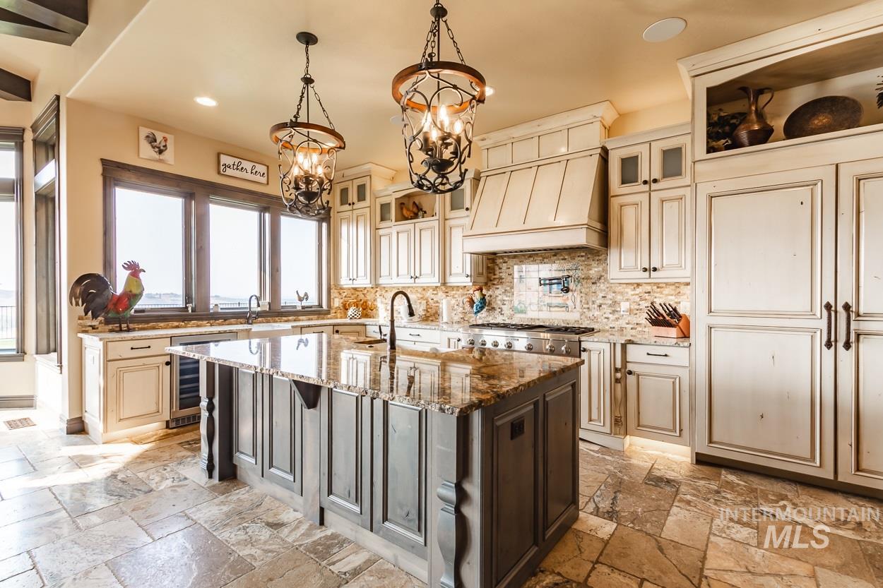 5392 N Mount Shadow Lane Property Photo 3