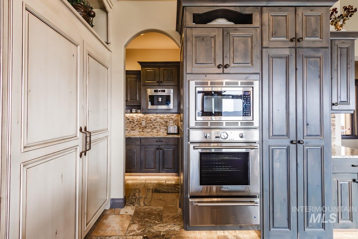 5392 N Mount Shadow Lane Property Photo 4