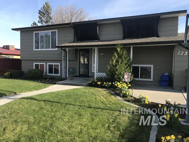1234 SW 16th Ave Property Photo - Ontario, OR real estate listing