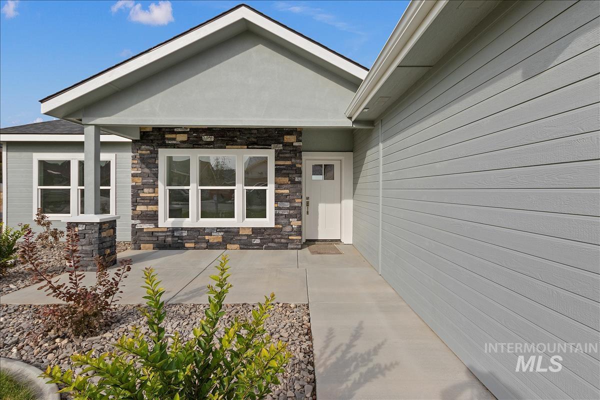 941 Kenbrook Loop Property Photo 2