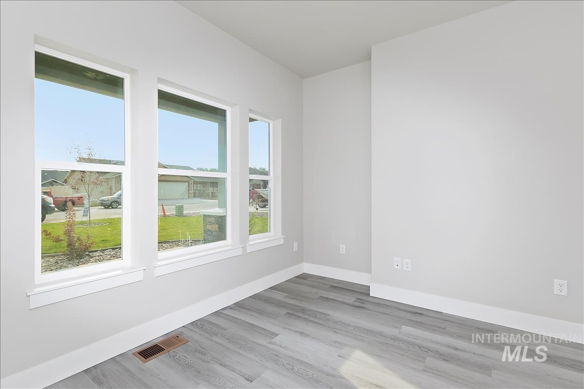 941 Kenbrook Loop Property Photo 3