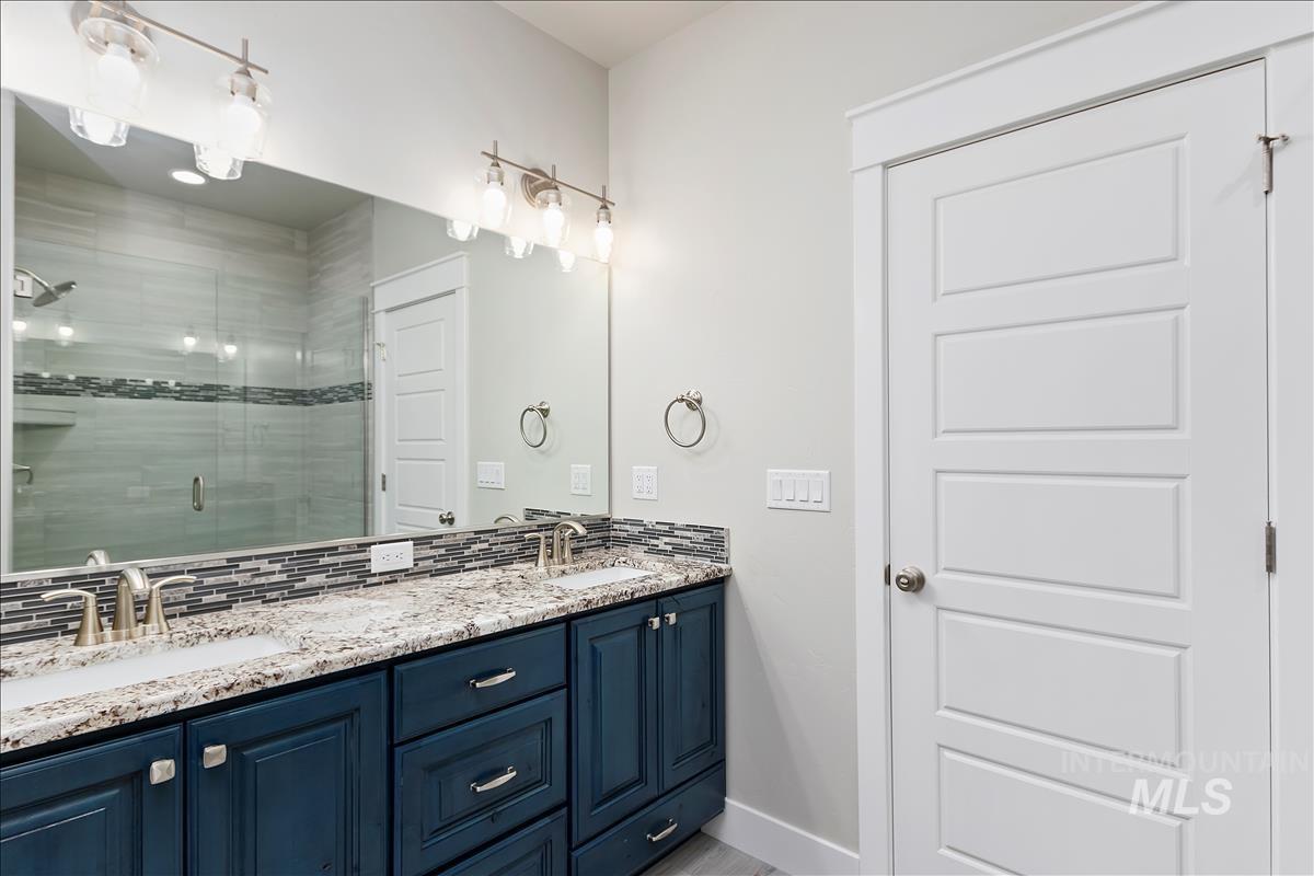 941 Kenbrook Loop Property Photo 17