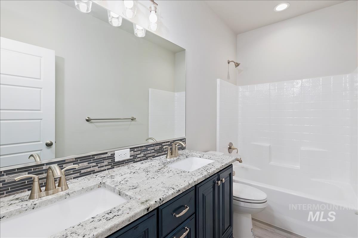 941 Kenbrook Loop Property Photo 20