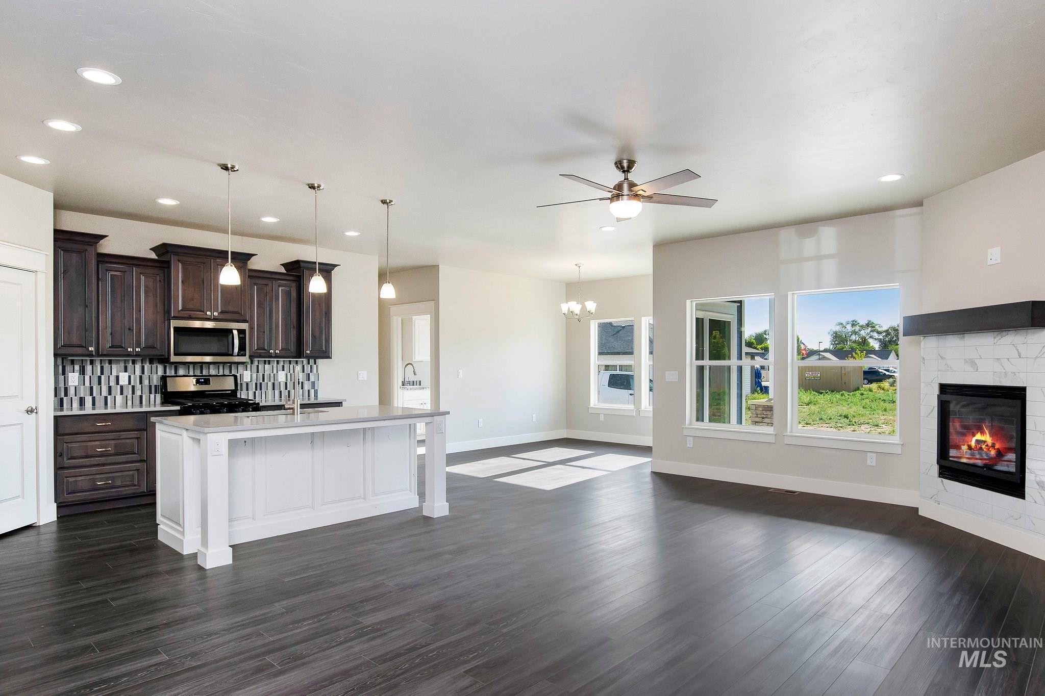 1005 Kenbrook Loop Property Photo 6