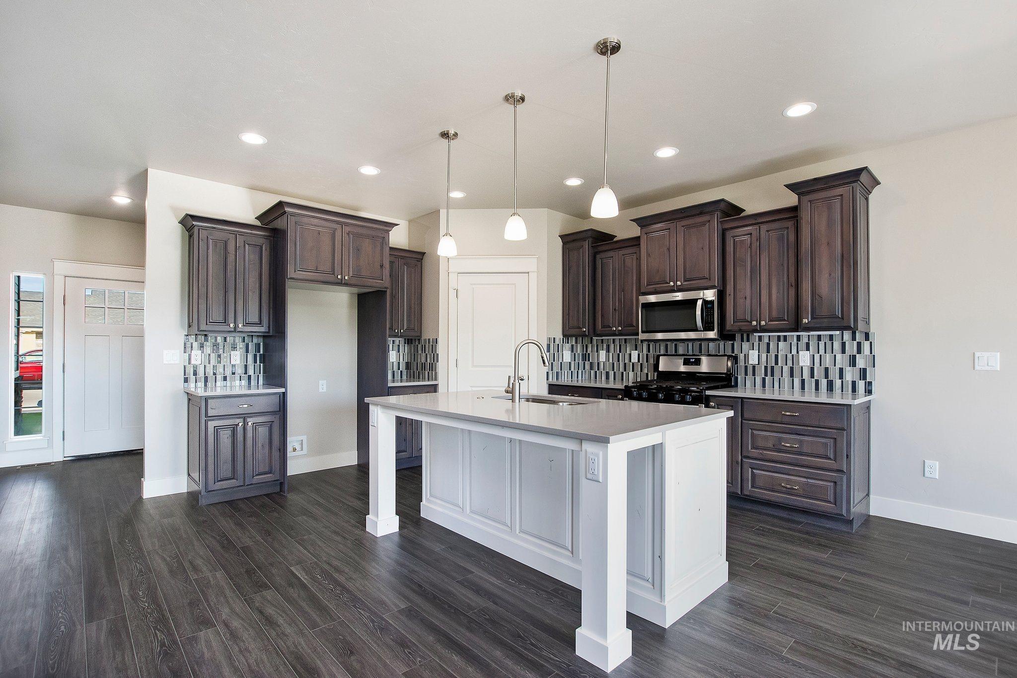 1005 Kenbrook Loop Property Photo 8