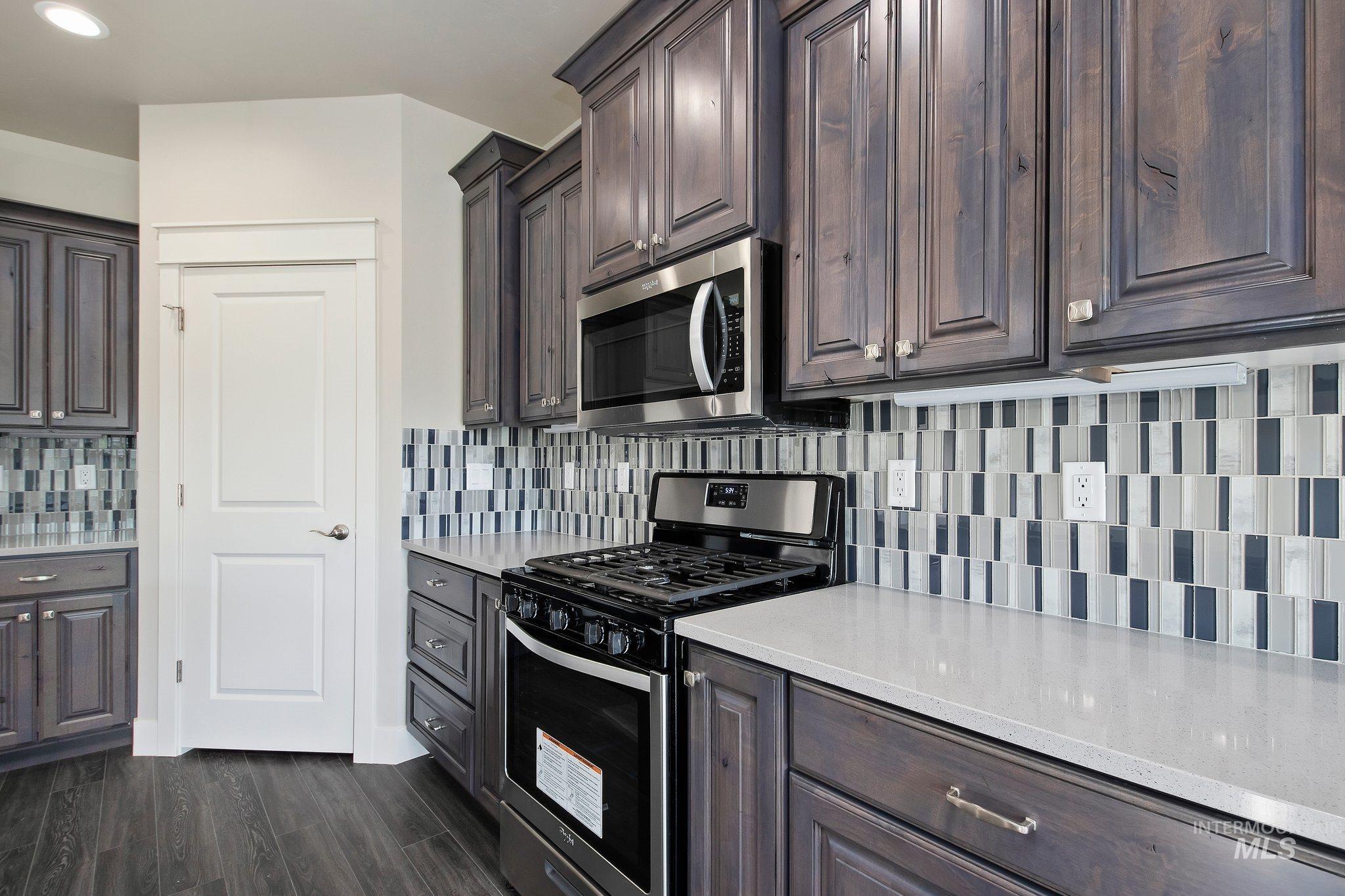 1005 Kenbrook Loop Property Photo 10