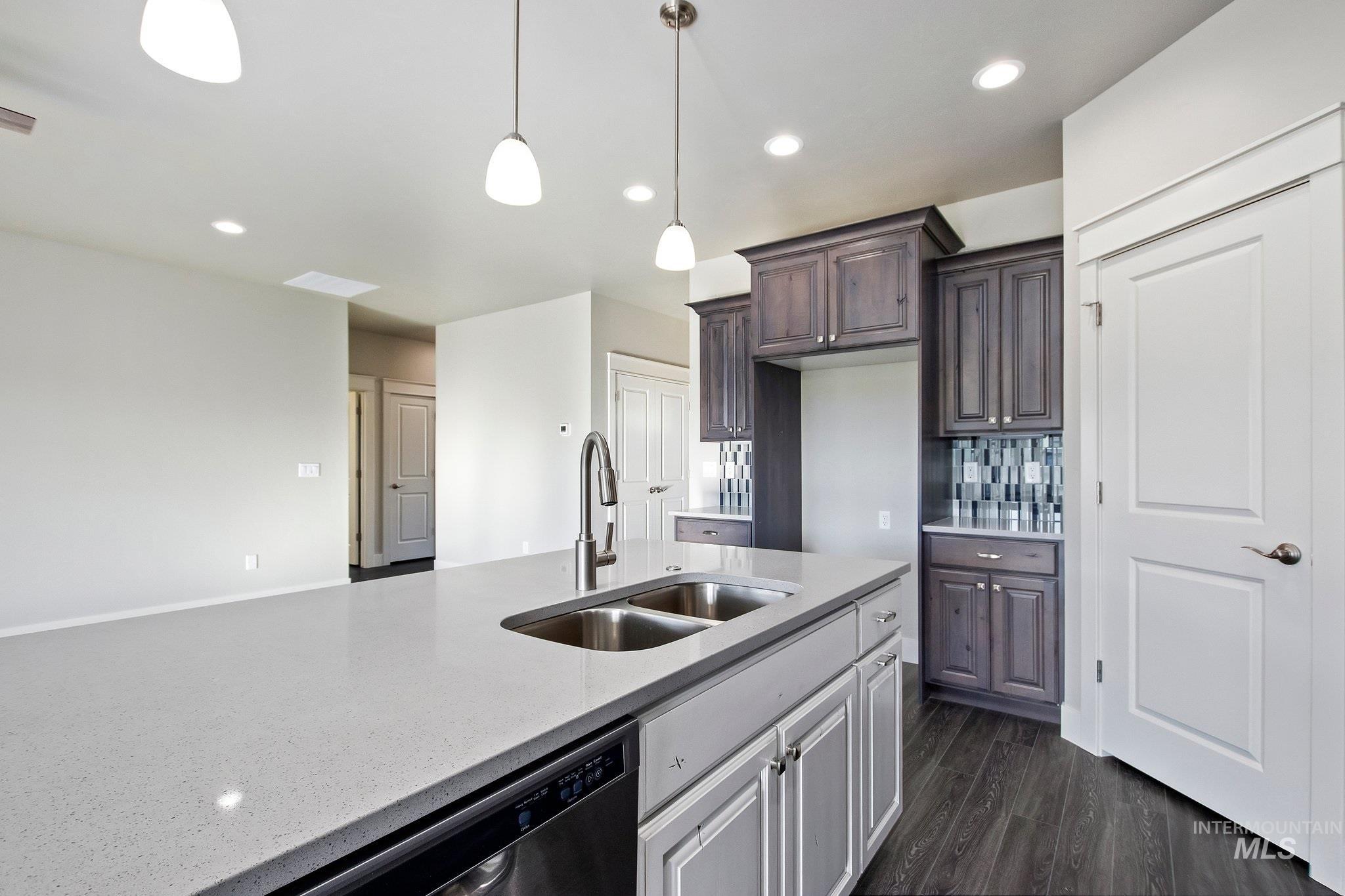1005 Kenbrook Loop Property Photo 12
