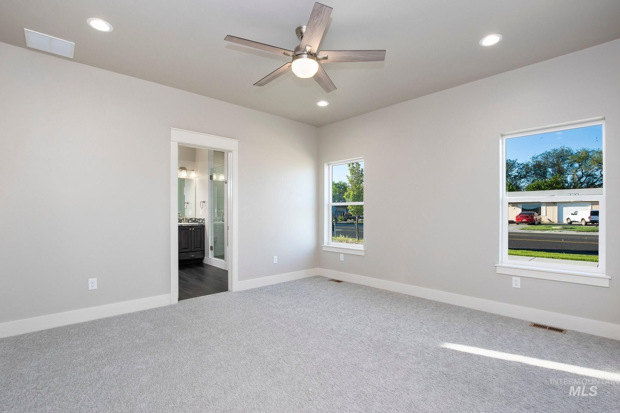 1005 Kenbrook Loop Property Photo 14