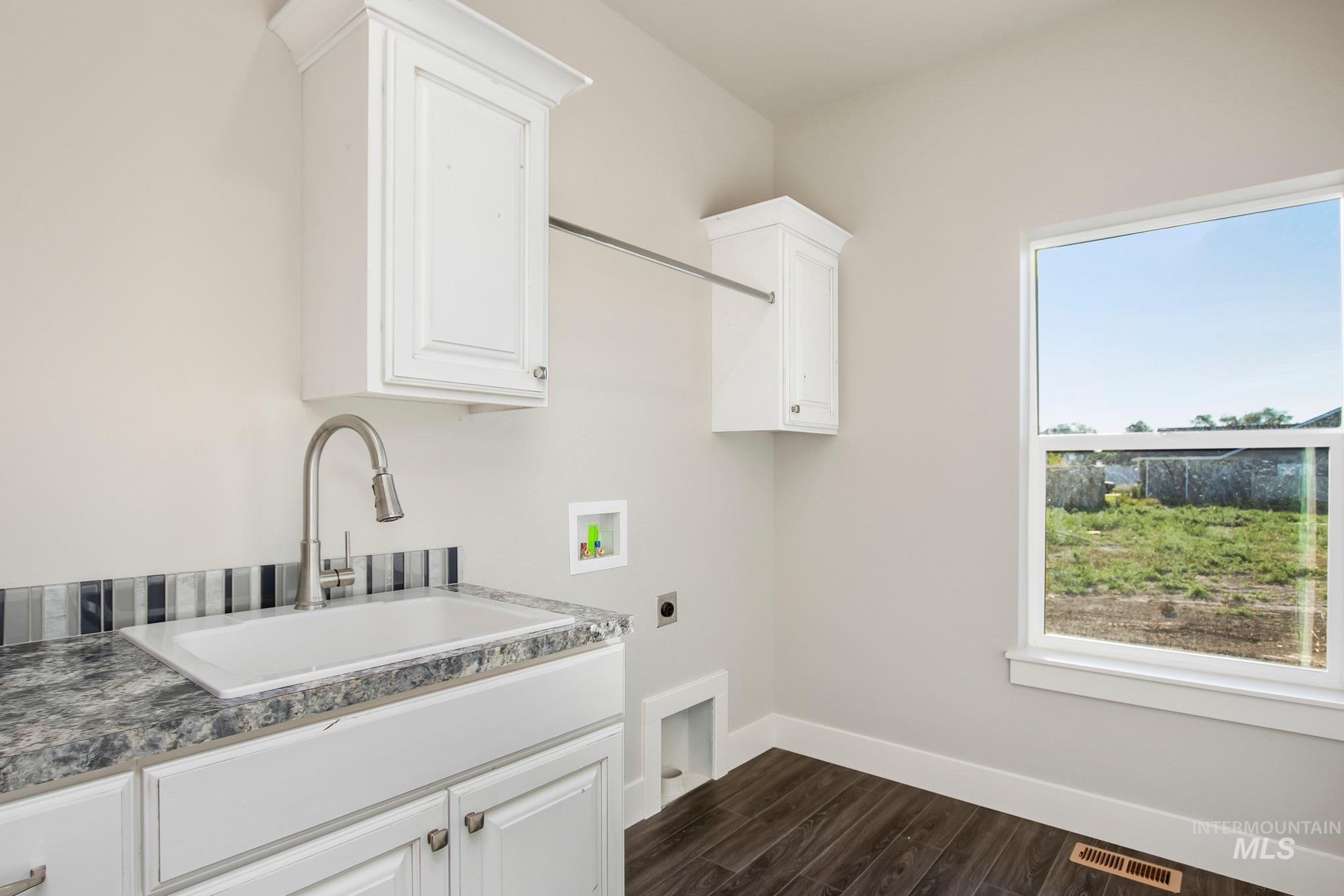 1005 Kenbrook Loop Property Photo 22