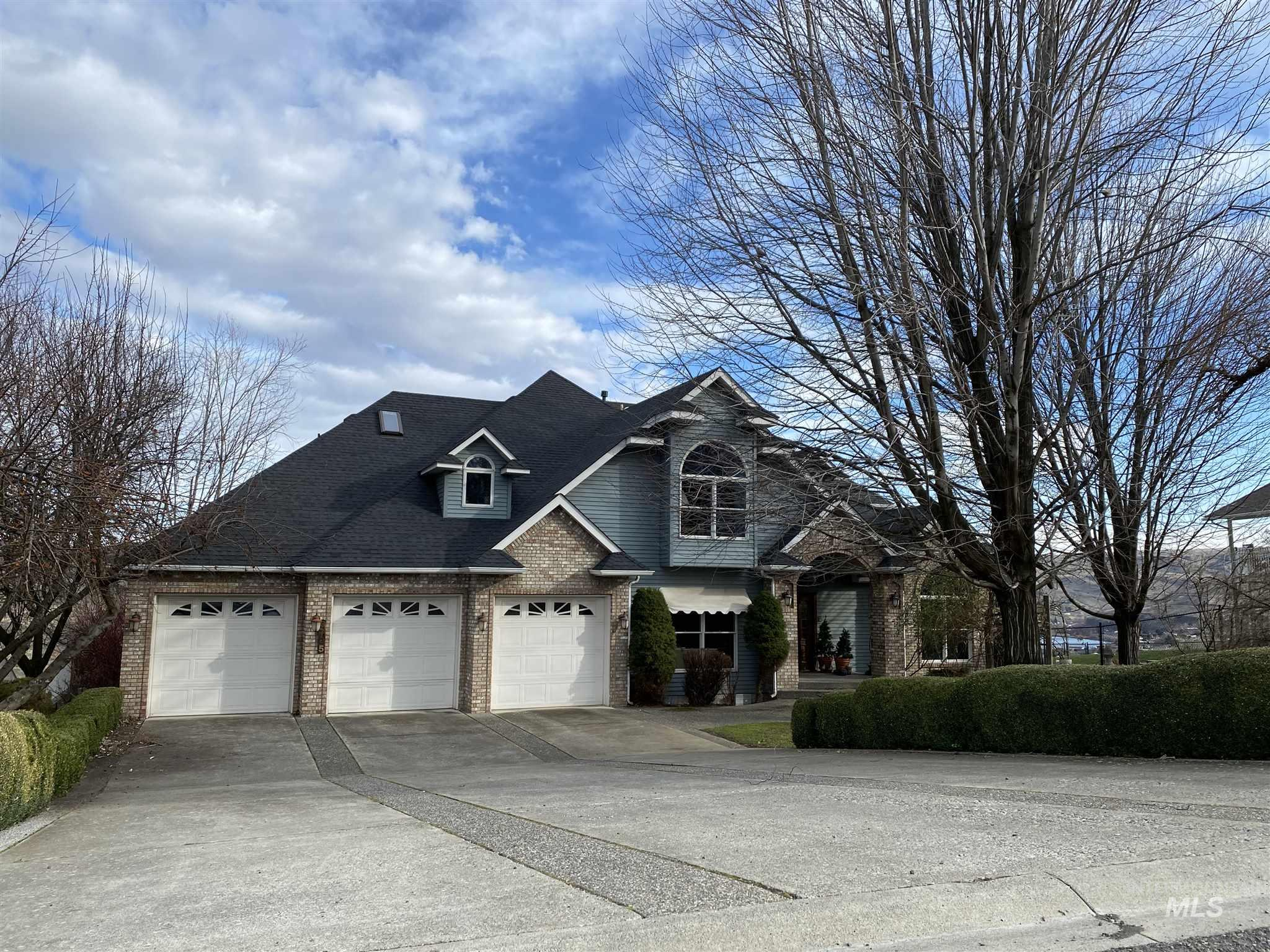 3705 Nicklaus Drive Property Photo - Clarkston, WA real estate listing