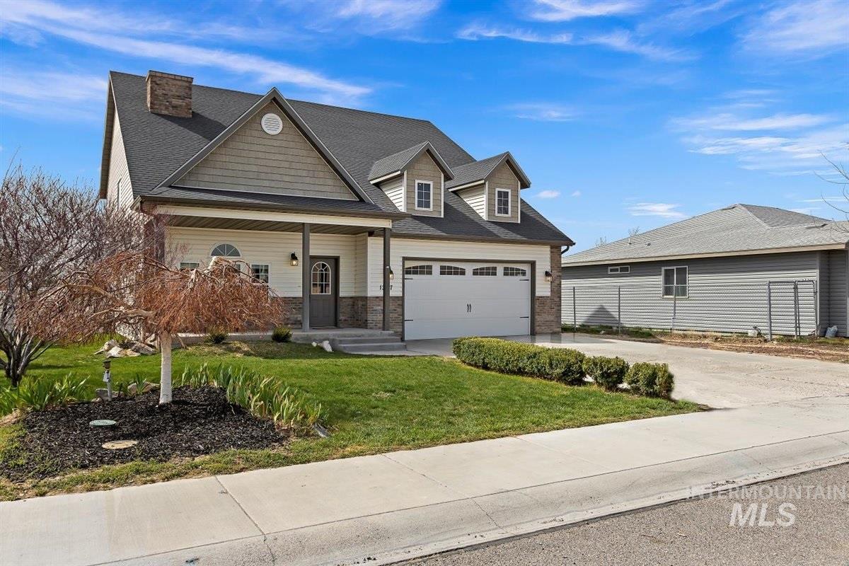 1307 Lauren Lane Property Photo - Filer, ID real estate listing