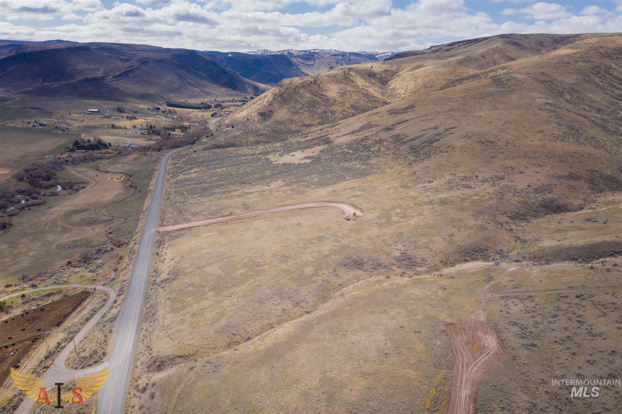 Parcel 3-B South Hills Estates Property Photo - Hansen, ID real estate listing