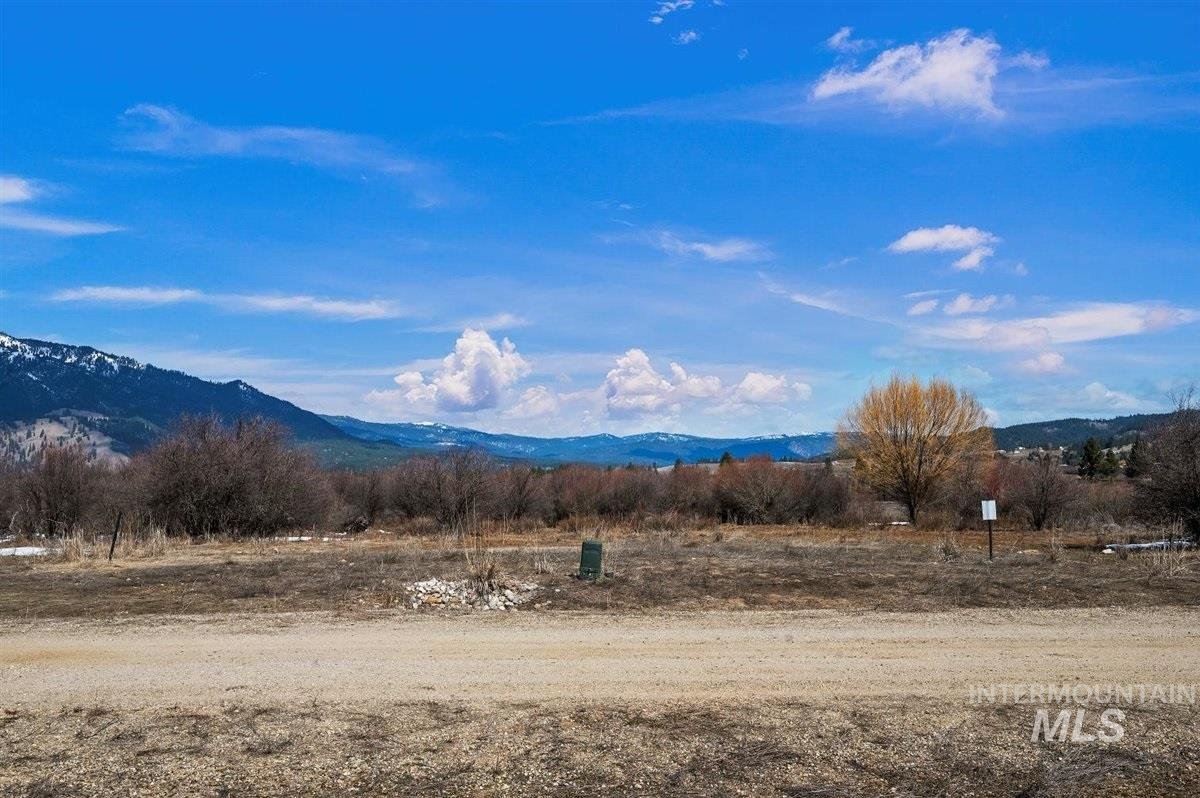 Block 7 Lot 49 Wapiti Ct Property Photo - Garden Valley, ID real estate listing