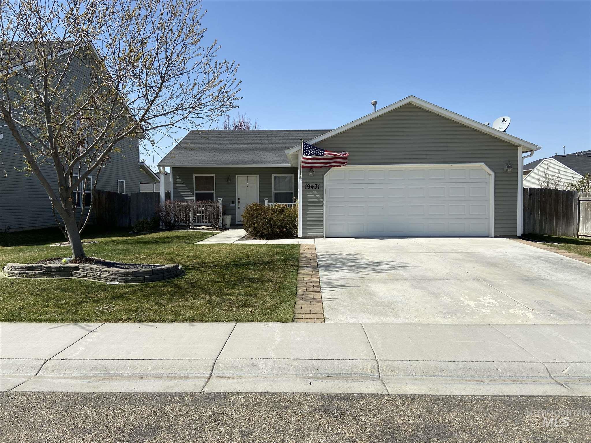 19431 Brush Creek Ave Property Photo - Caldwell, ID real estate listing