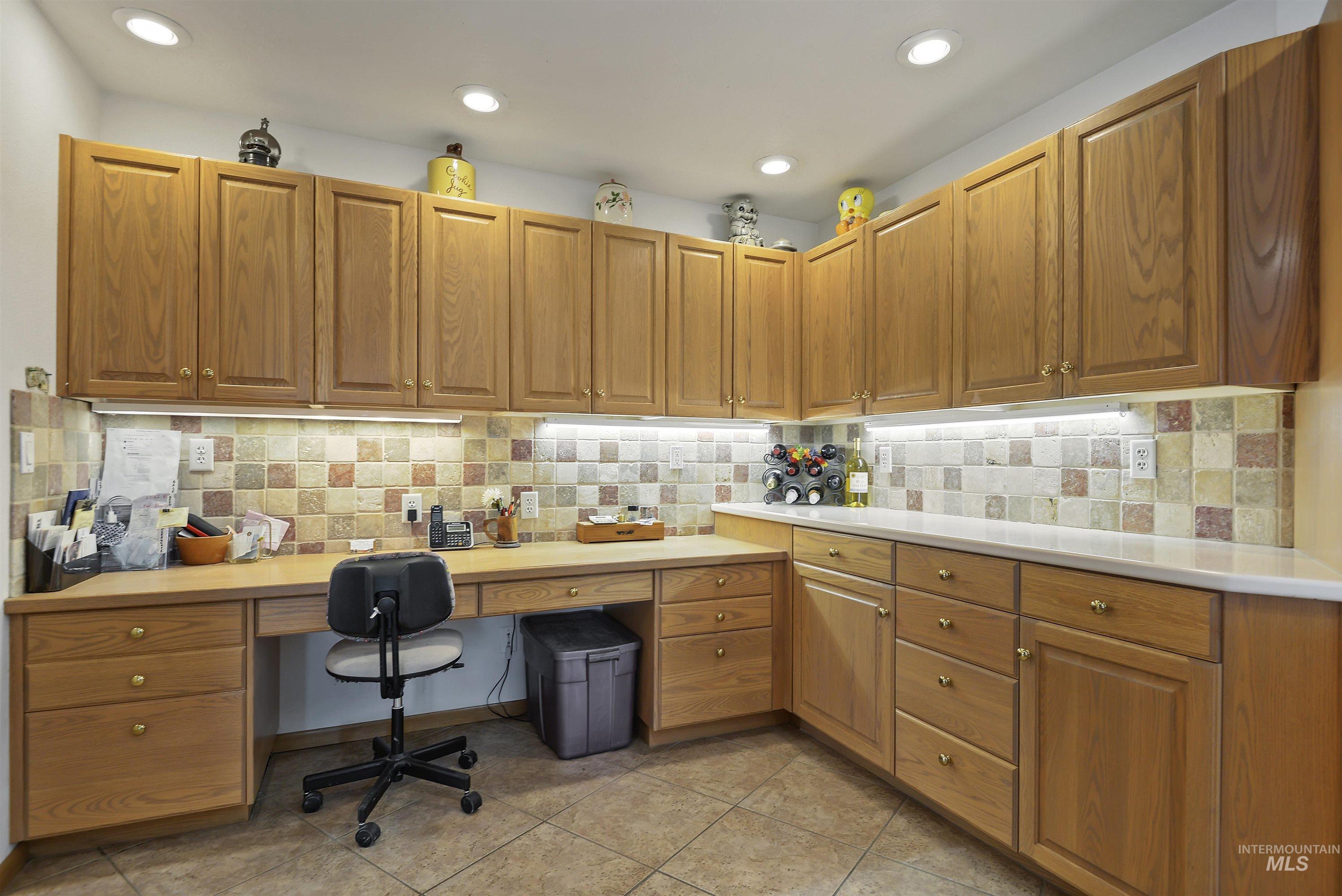 6768 Willis Rd Property Photo 18