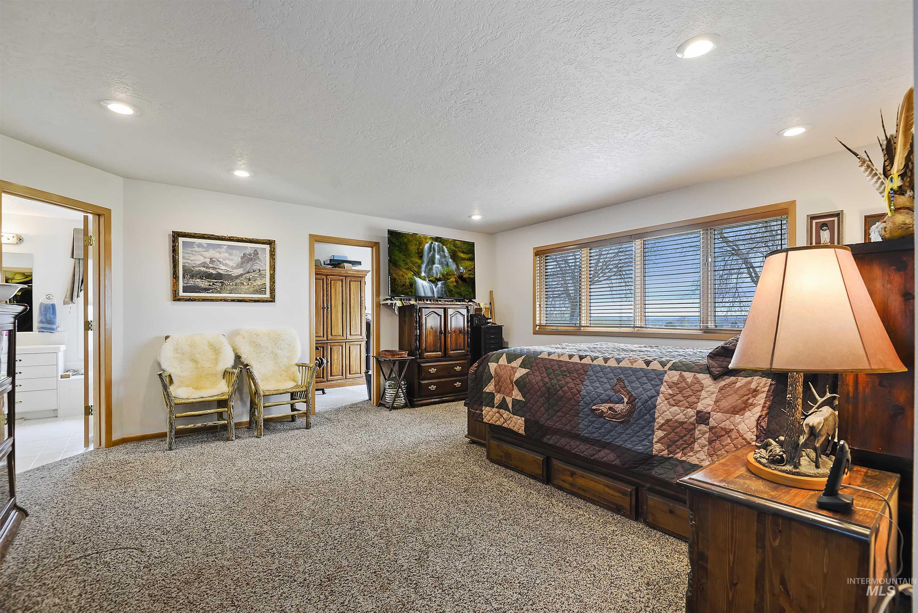 6768 Willis Rd Property Photo 27