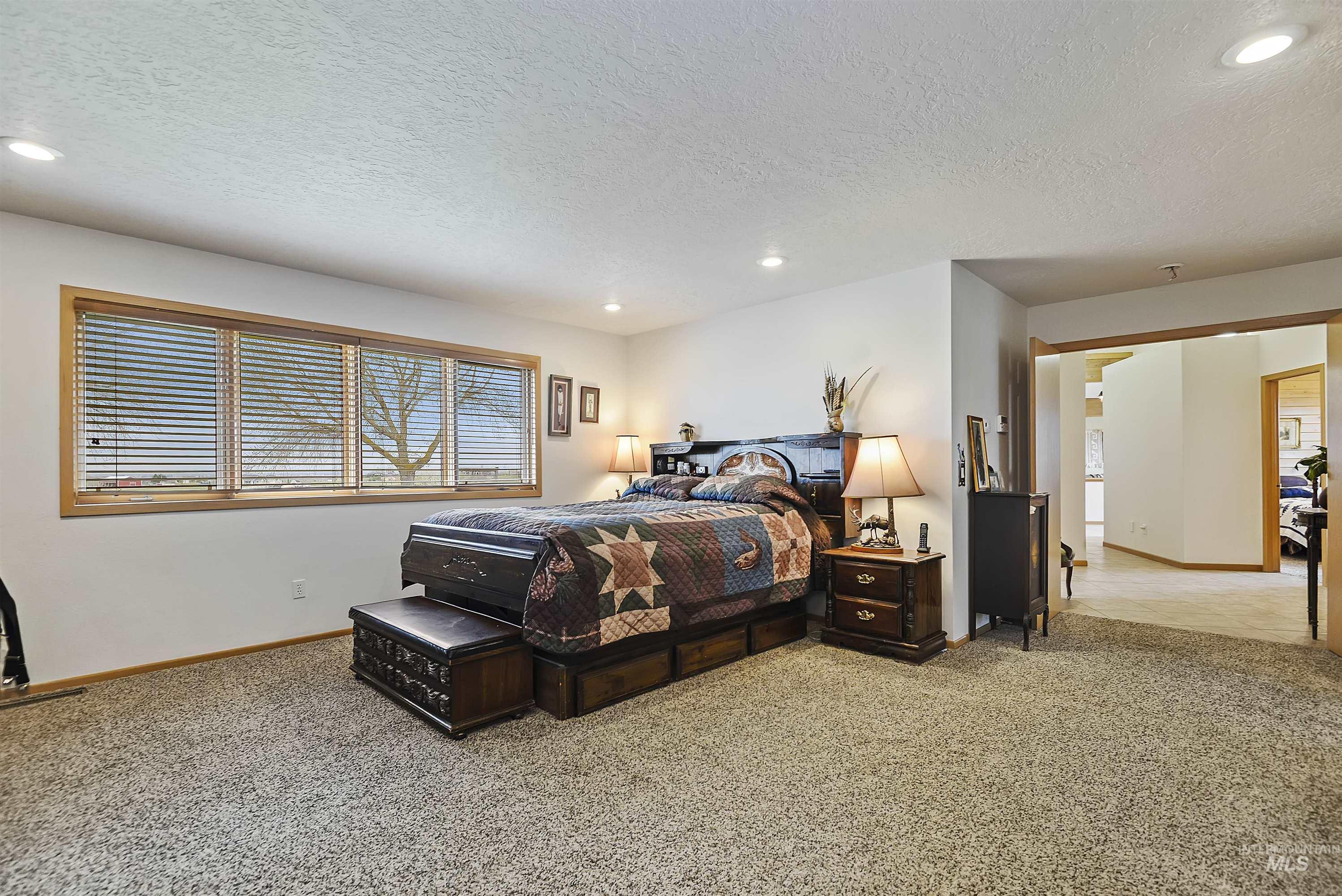 6768 Willis Rd Property Photo 28