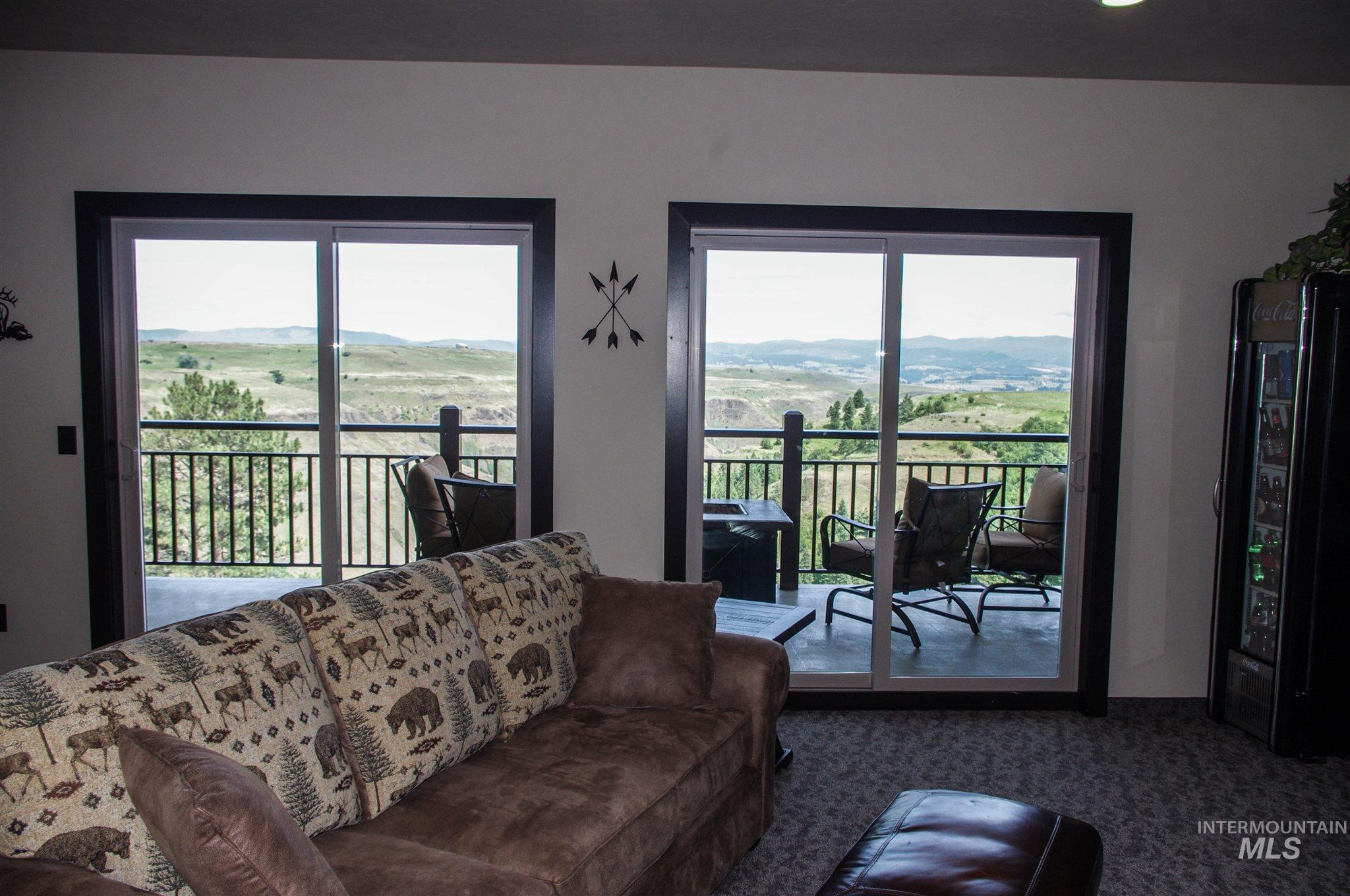 229 Scotlyn Ranch Road Property Photo 5