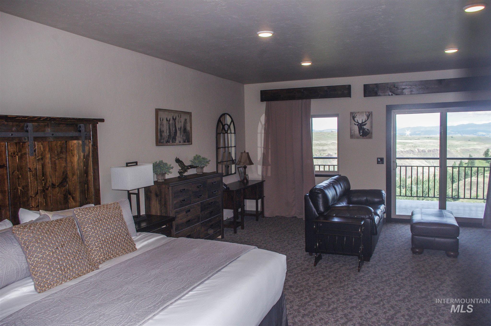 229 Scotlyn Ranch Road Property Photo 7