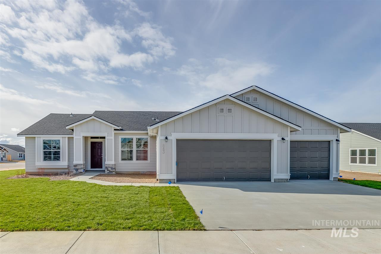 1720 SW Gaber Ct Property Photo - Mountain Home, ID real estate listing