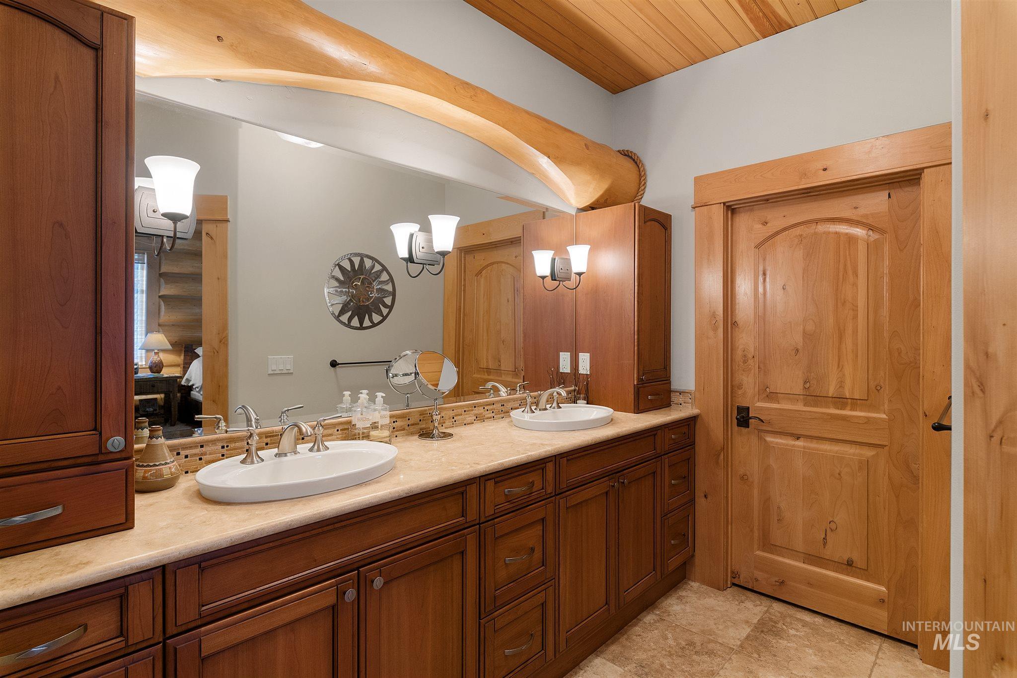 388 Sugarloaf Place Property Photo 21
