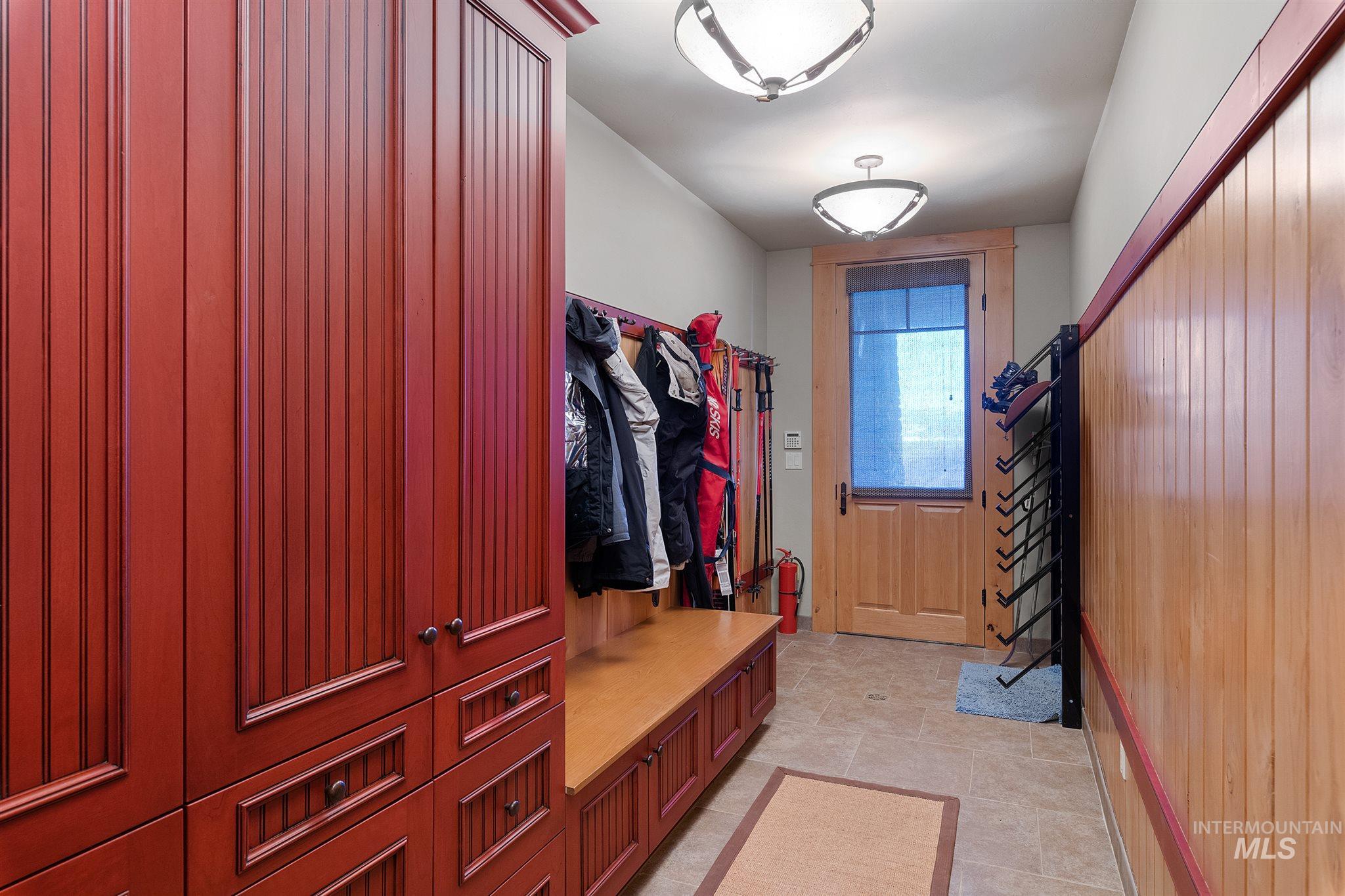 388 Sugarloaf Place Property Photo 40