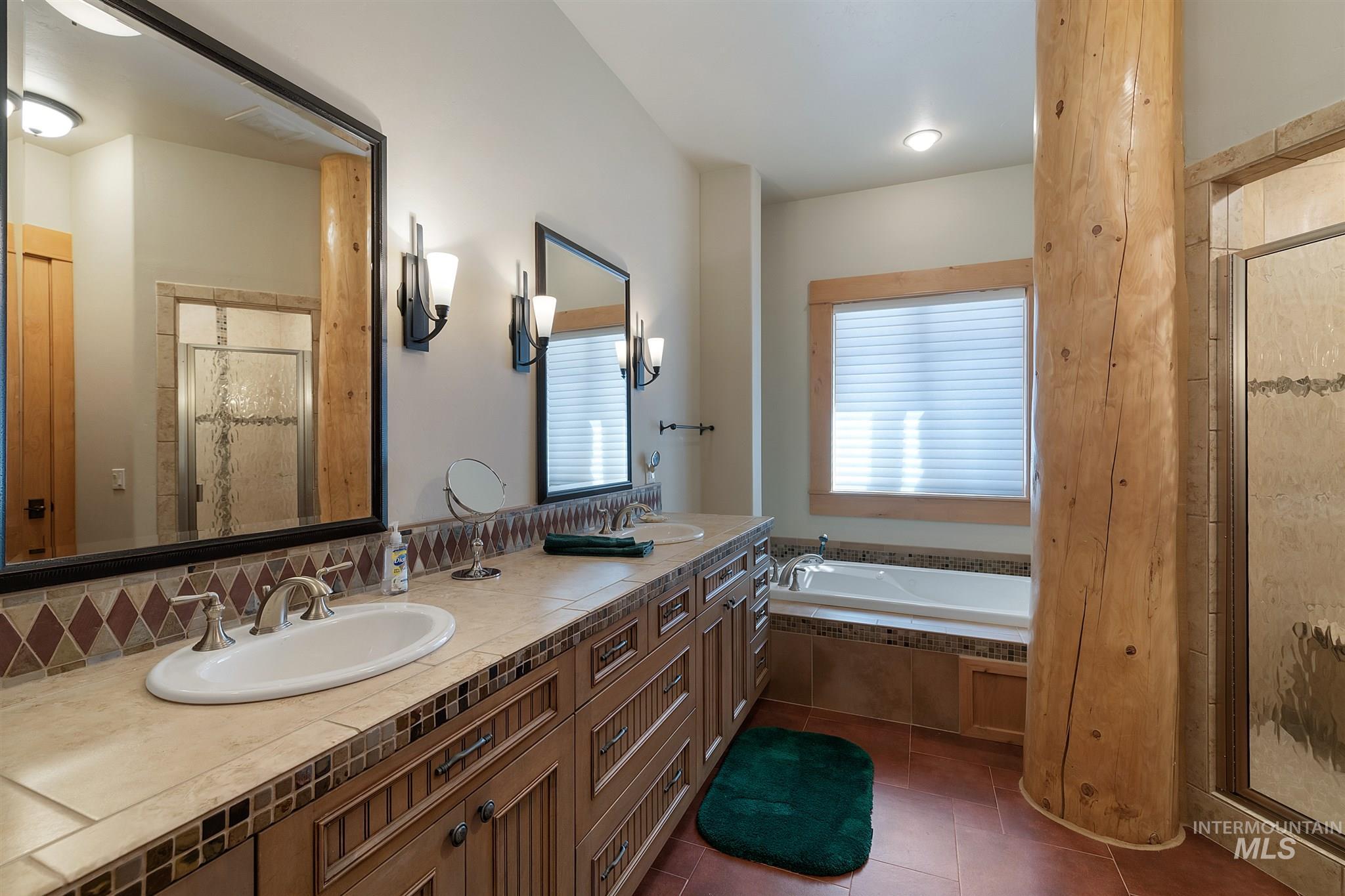 388 Sugarloaf Place Property Photo 42