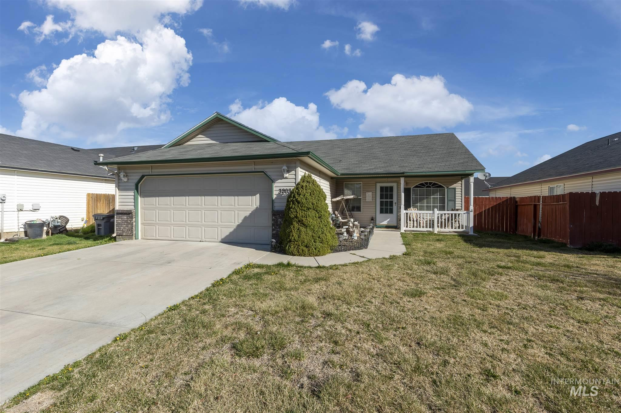 3203 Village Green St Property Photo - Caldwell, ID real estate listing