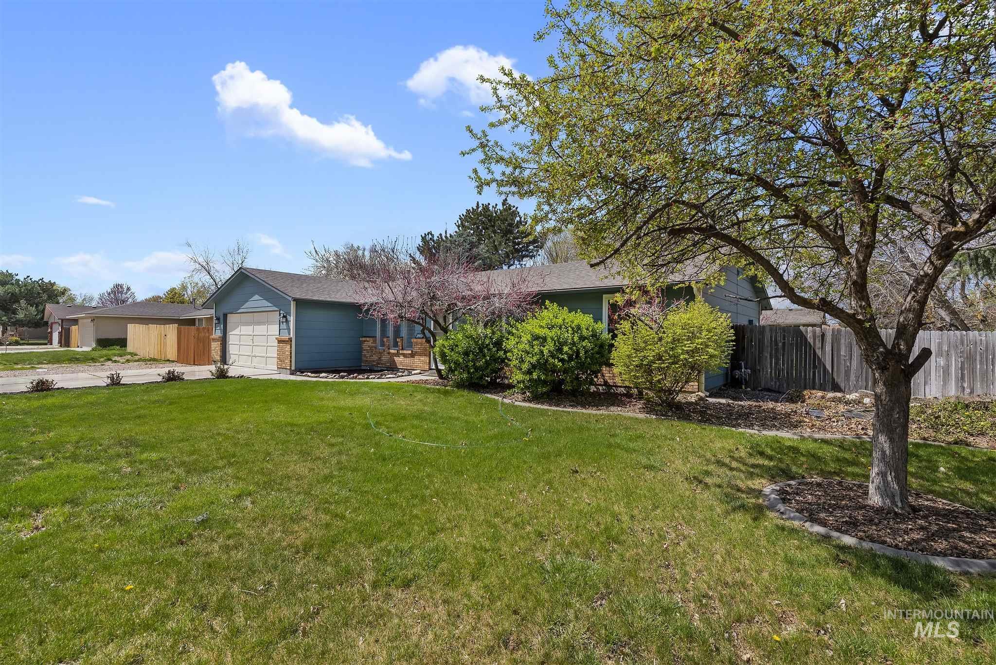 3985 N Shamrock Ave Property Photo - Boise, ID real estate listing