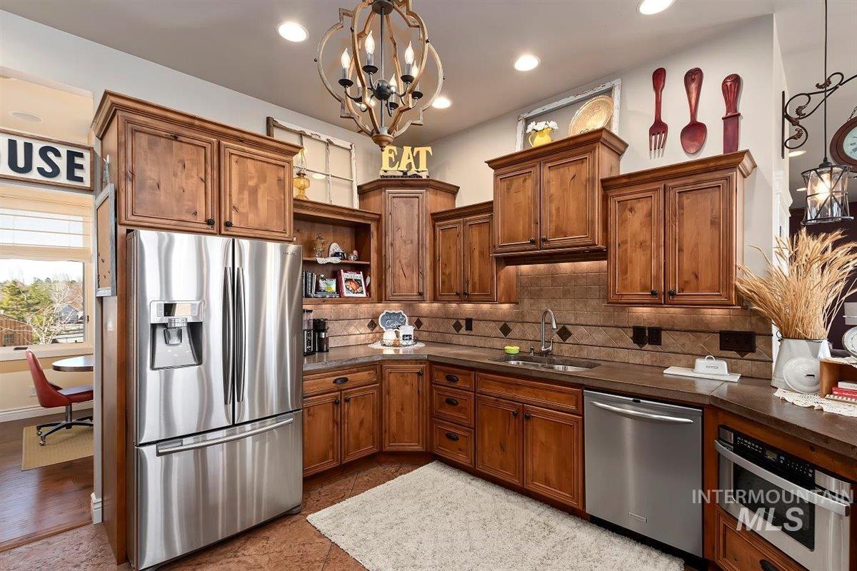 978 S 1200 E Property Photo 15
