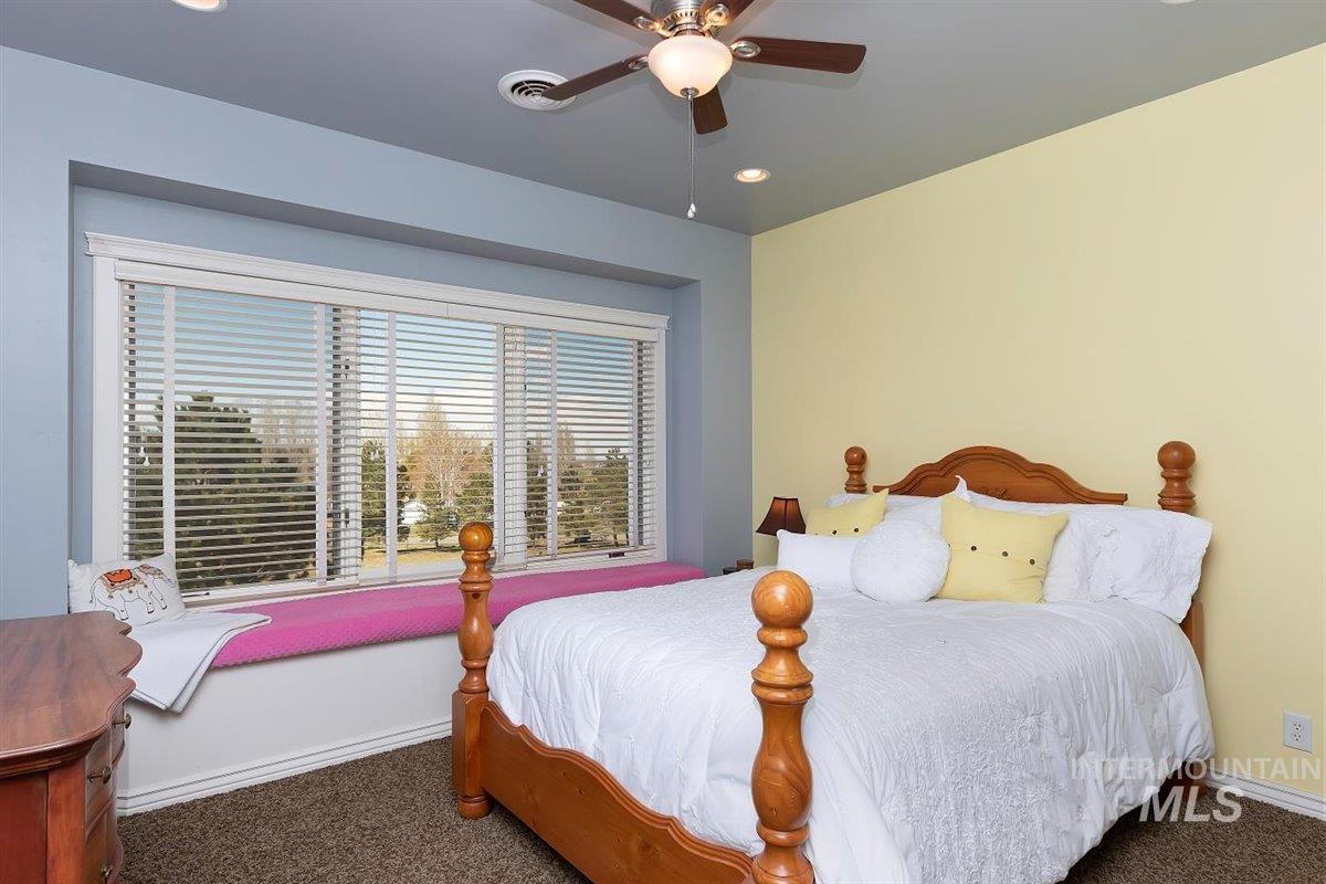 978 S 1200 E Property Photo 33