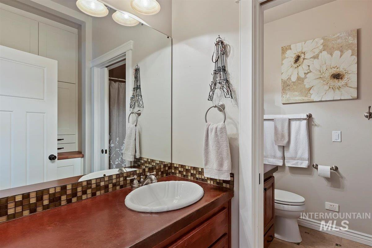 978 S 1200 E Property Photo 35