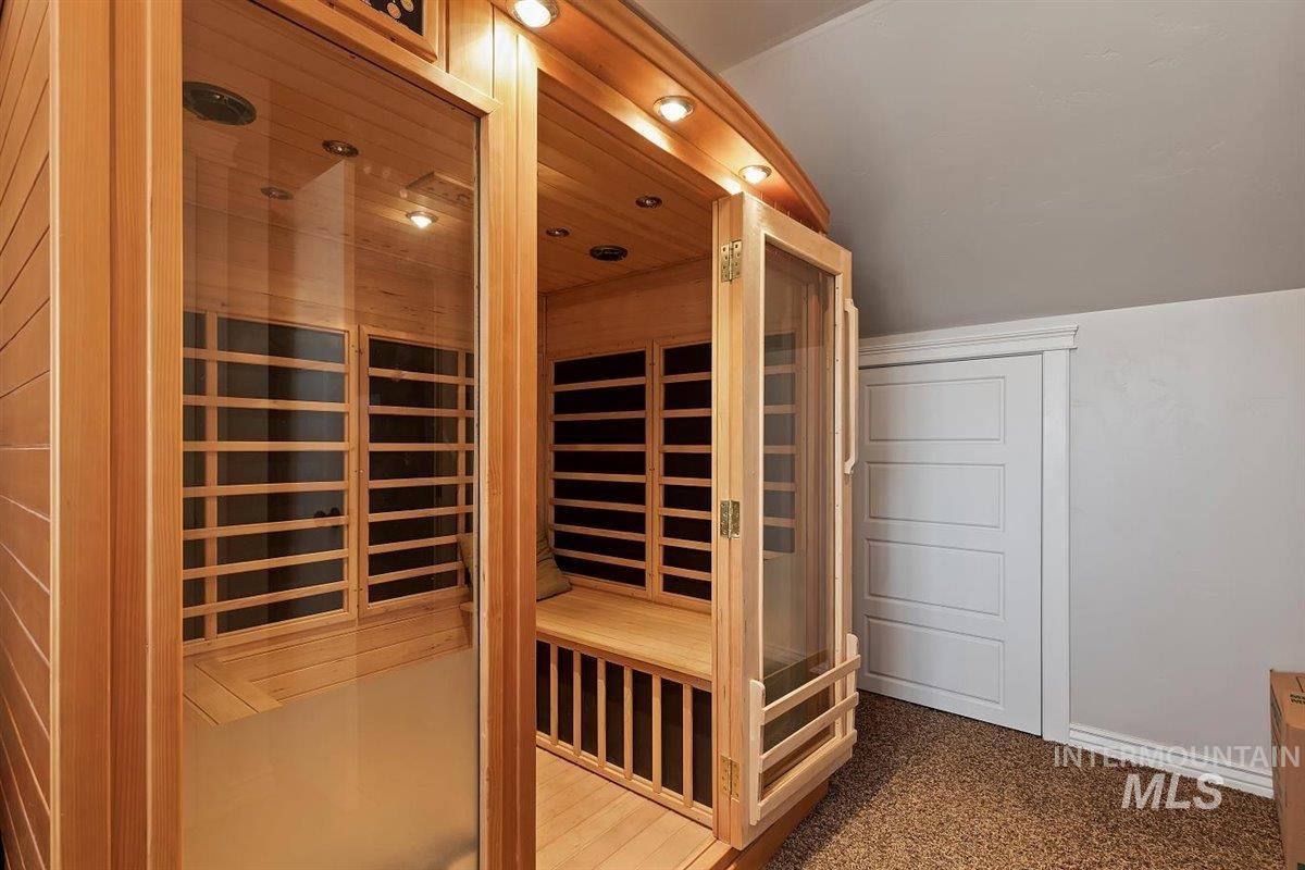 978 S 1200 E Property Photo 40