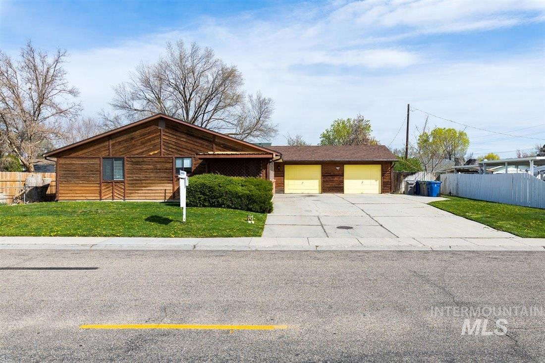 9082-9084 W Edna St Property Photo - Boise, ID real estate listing