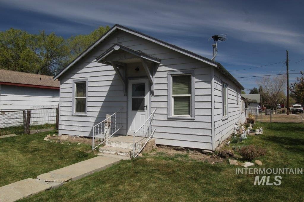 323 E Chicago St Property Photo - Caldwell, ID real estate listing