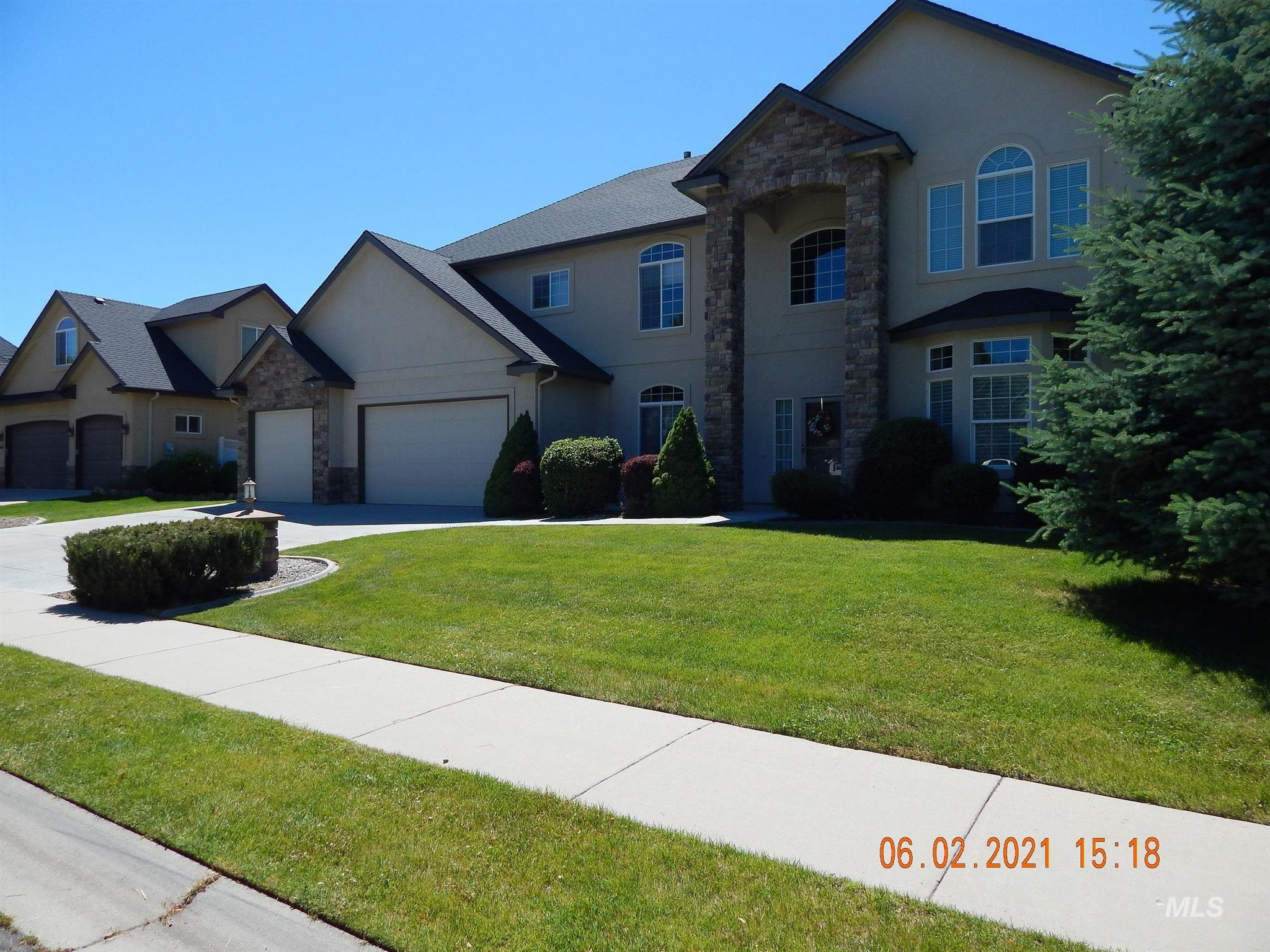 2639 S Bear Claw Way Property Photo - Meridian, ID real estate listing