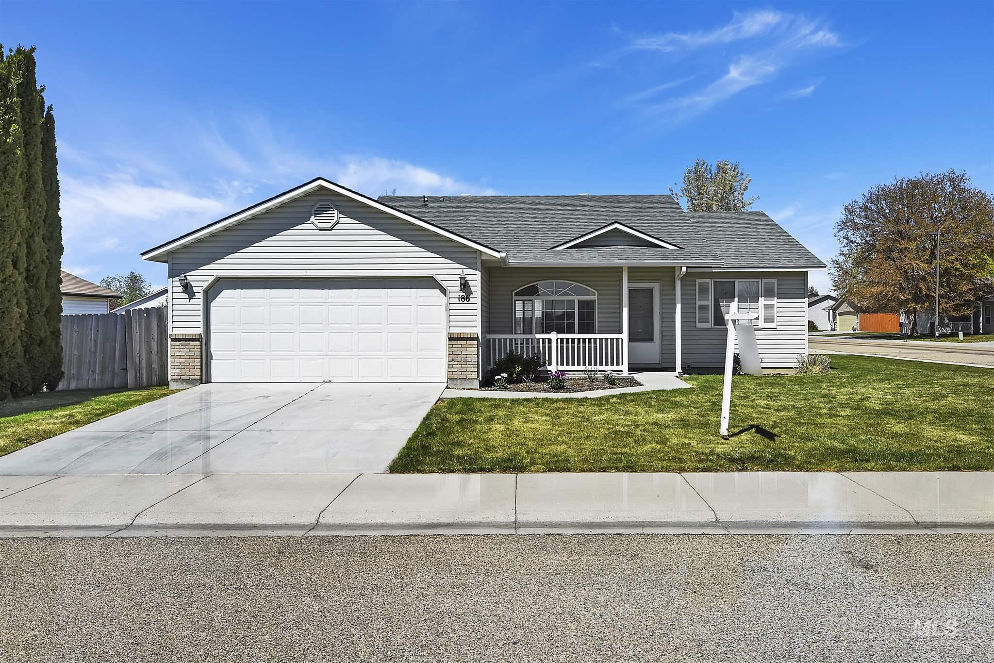 Deer Horn Real Estate Listings Main Image