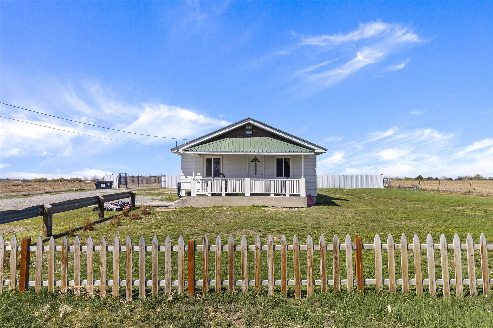 449 S 100 E Property Photo 1