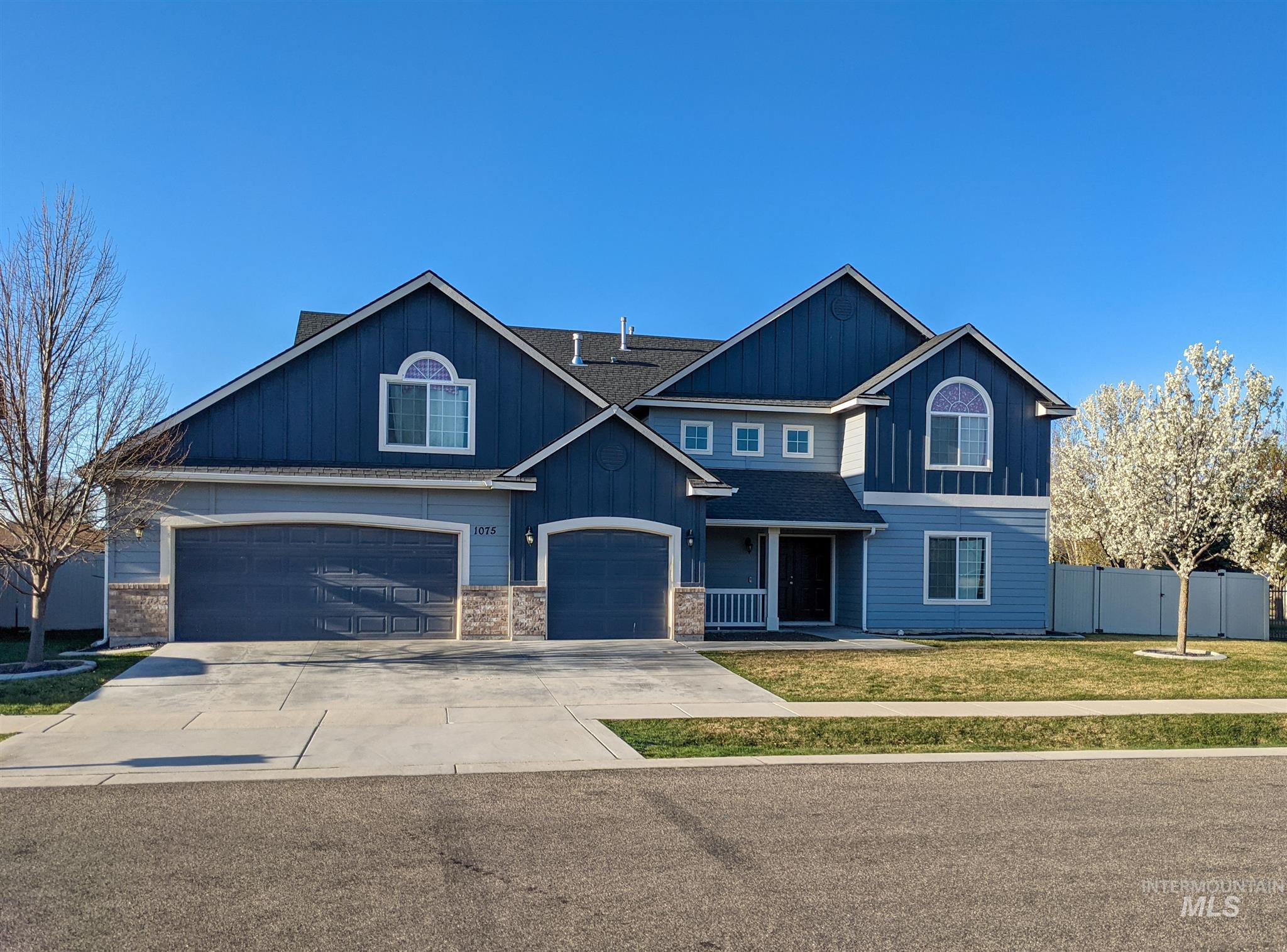 1075 W Darrah Dr Property Photo - Meridian, ID real estate listing