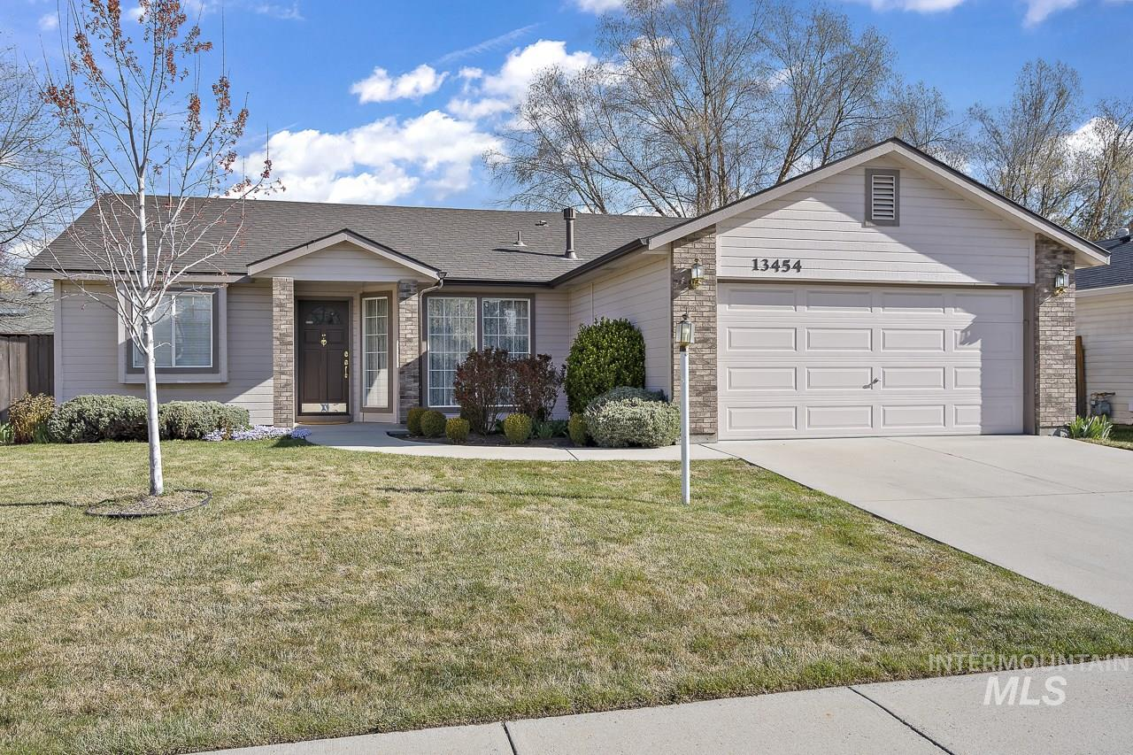 13454 W Fig Street Property Photo - Boise, ID real estate listing