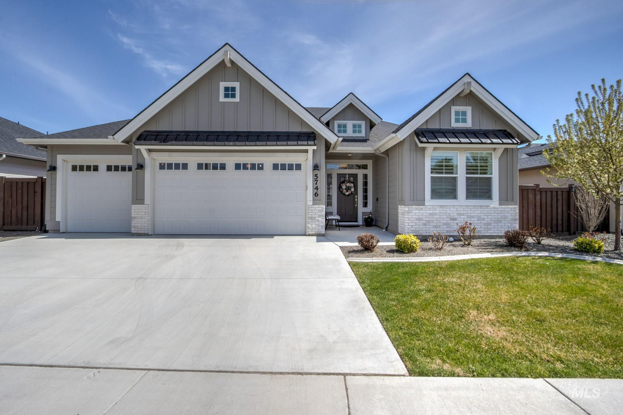 5746 N Exeter Ave Property Photo - Meridian, ID real estate listing