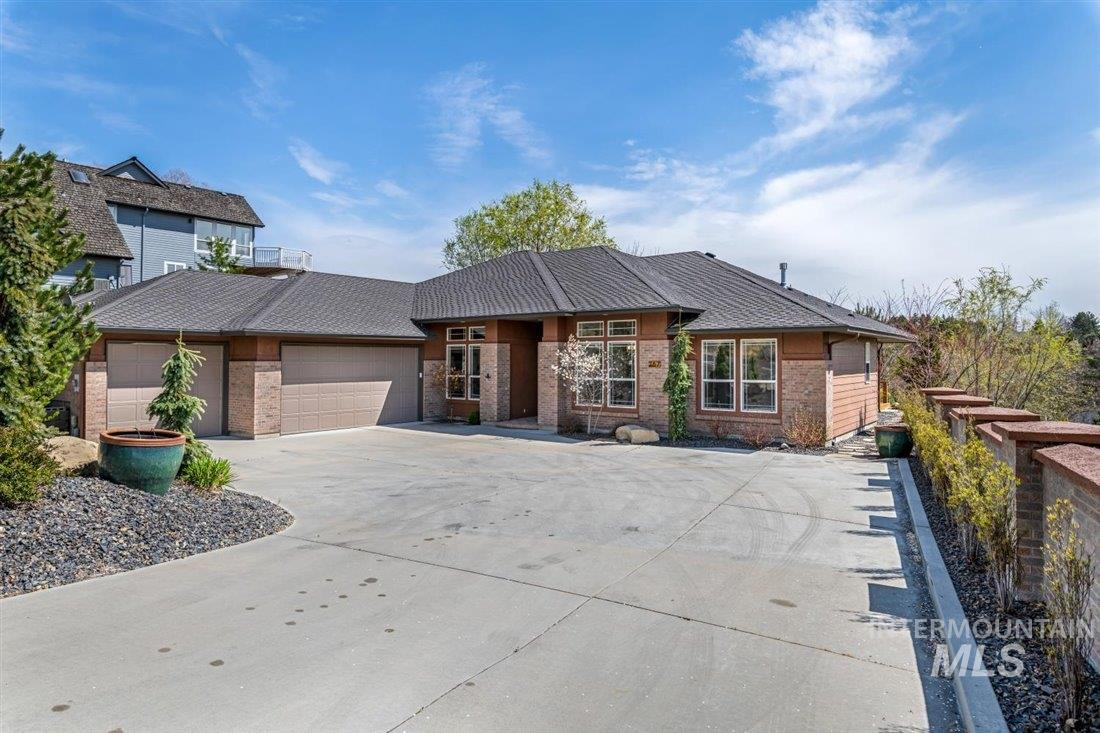 267 W Groveview Ln Property Photo - Boise, ID real estate listing