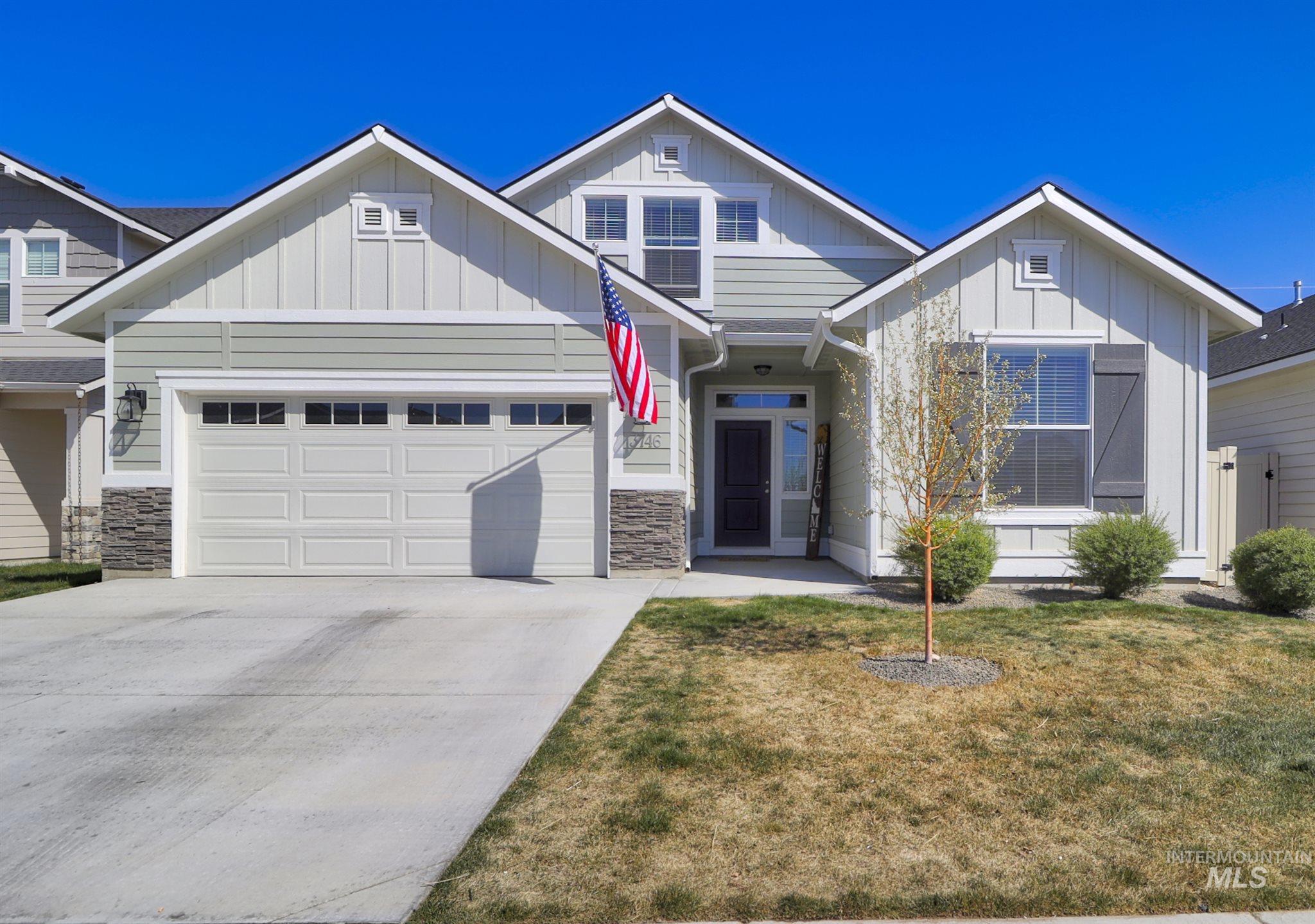 3746 W Peak Cloud Ct Property Photo - Meridian, ID real estate listing