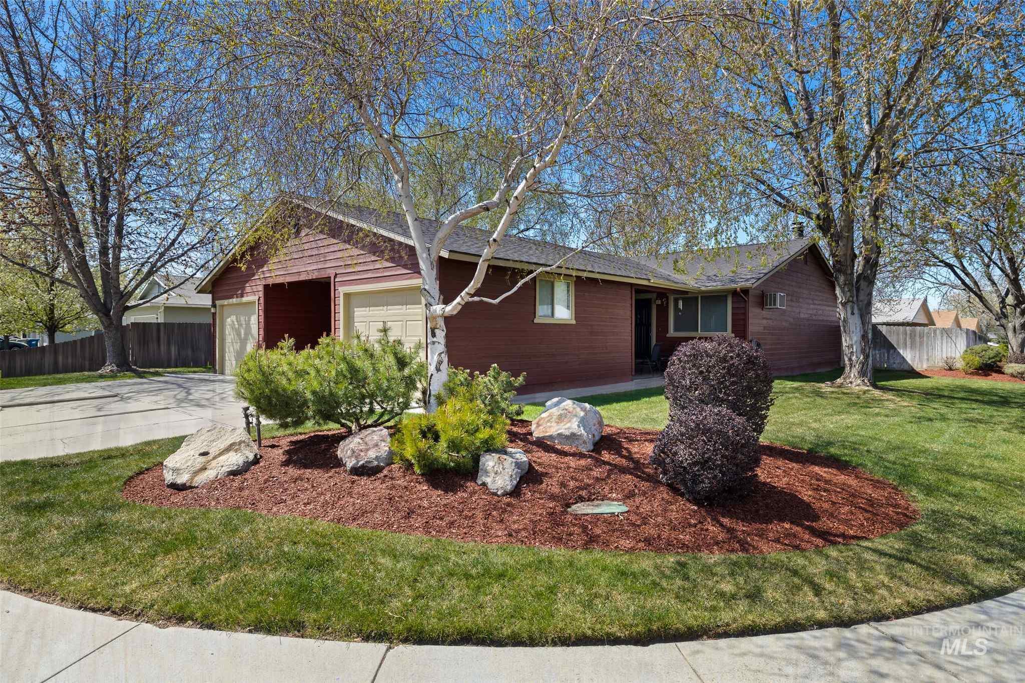 903 S Wild Phlox Way Property Photo - Boise, ID real estate listing