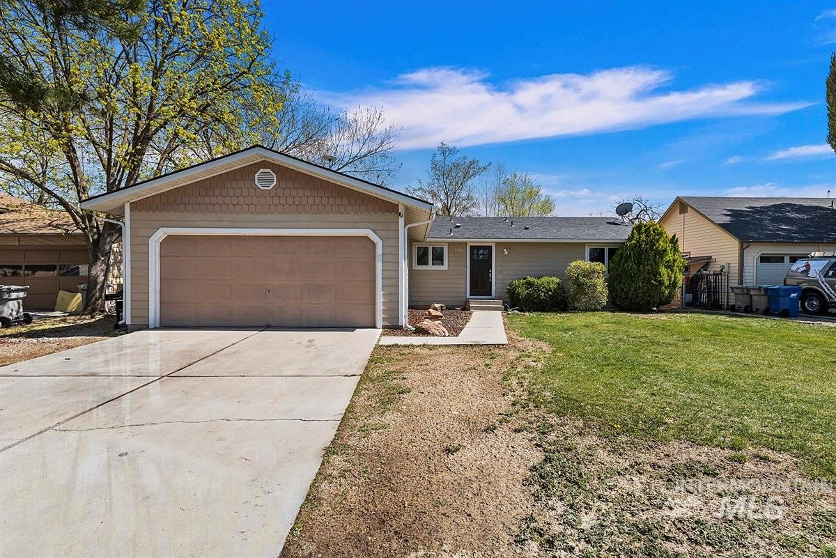 2702 N Reno Way Property Photo - Boise, ID real estate listing