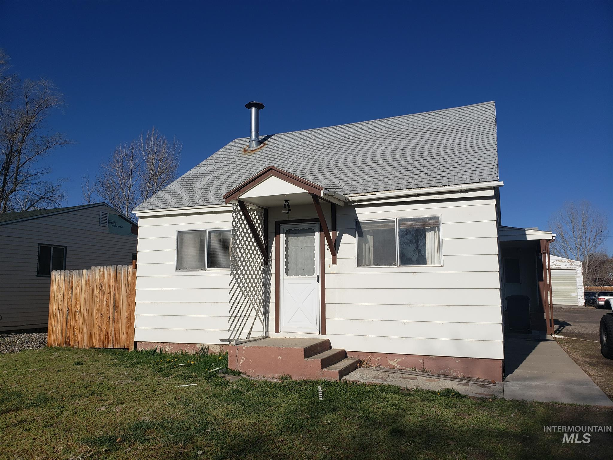 812 Idaho Ave Property Photo - Filer, ID real estate listing