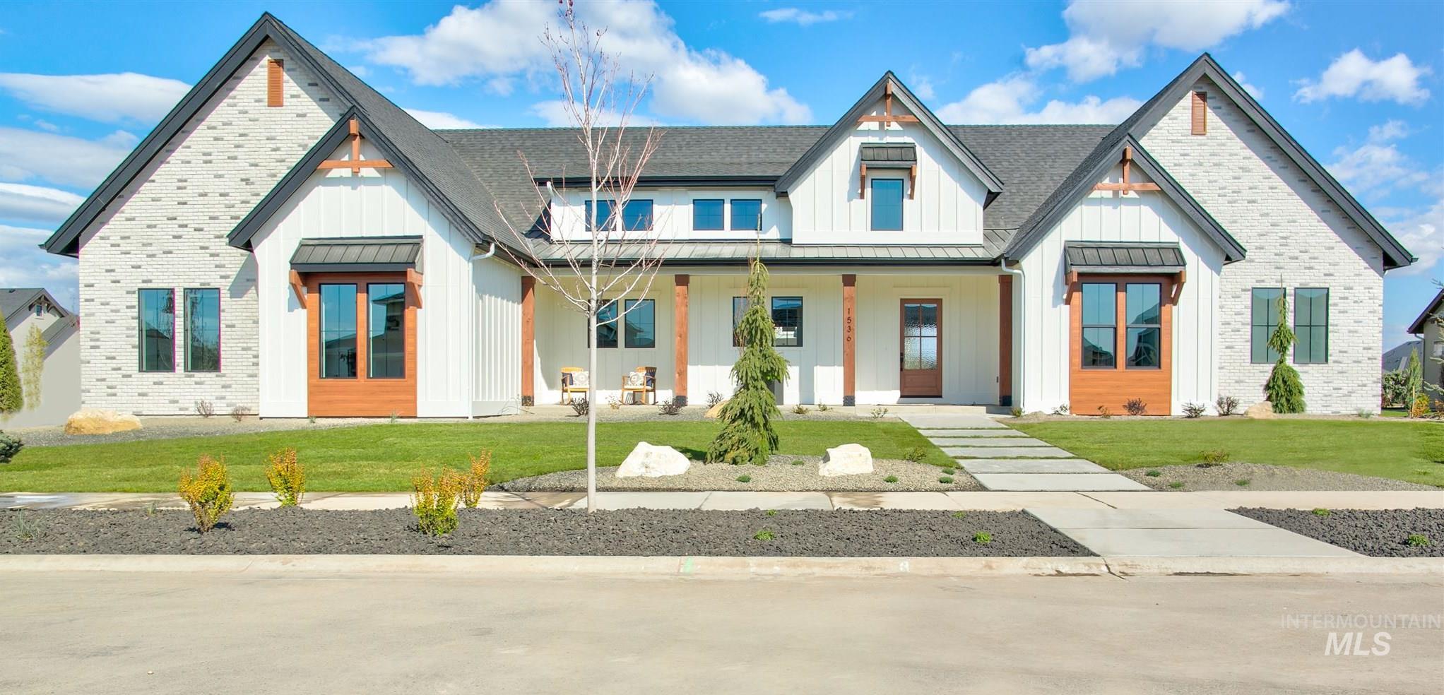 1536 N Triathlon Ave Property Photo