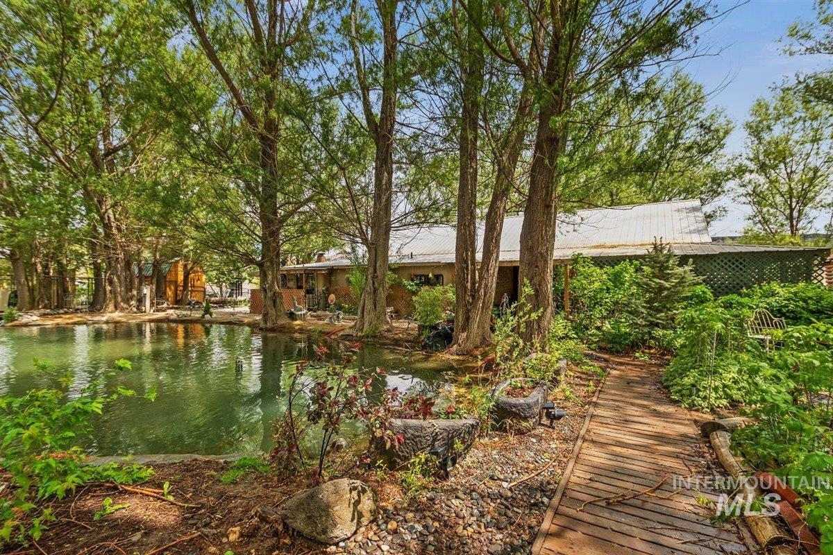 6252 King Hill Canal Property Photo 1